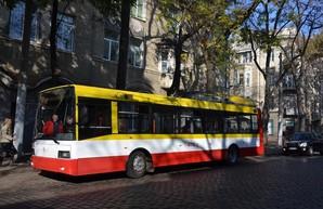 По Одессе в первый раз проехал электробус (ФОТО)
