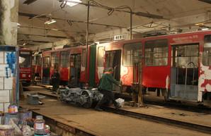 Водители электротранспорта в Мариуполе и Львове жалуются условия работы