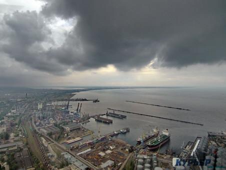 В Министерстве инфраструктуры обсудили ситуацию в портах Украины. Одессу похвалили