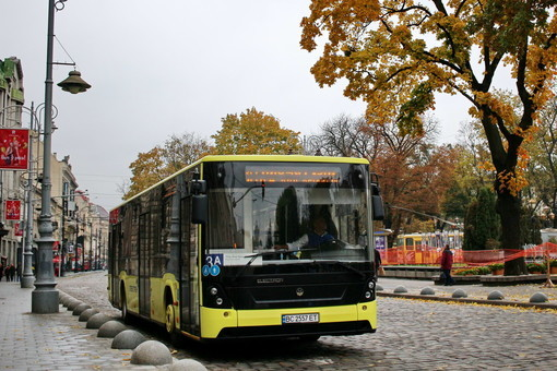 Во Львове стоимость проезда в автобусах может возрасти до 8 гривен