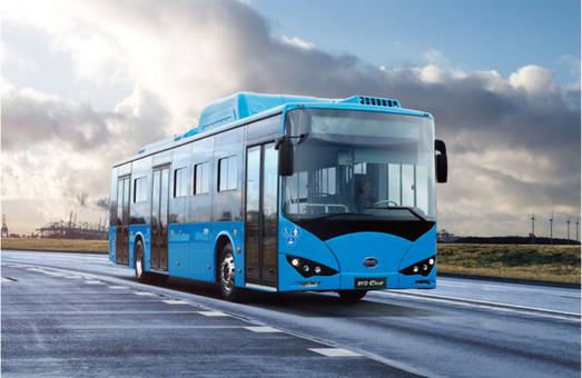 В аэропорту Брюсселя пассажиров к трапам самолетов будут подвозить электробусы