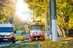 Одесские трамваи во время золотой осени (ФОТО)