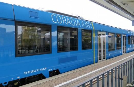 В Германии уже работает поезд на водородном топливе