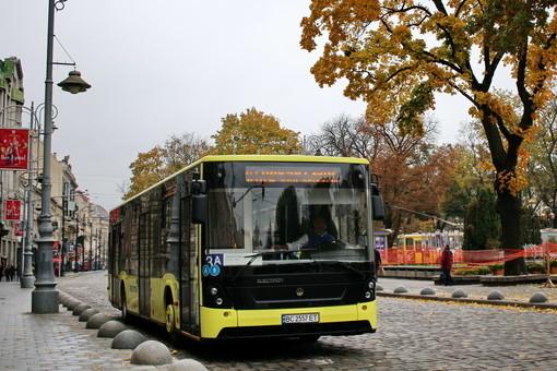 Львов наконец-то получил пять новых автобусов «Электрон» от местного производителя