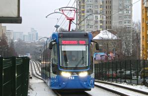 Кличко: Киев сможет приобрести еще шесть трамваев