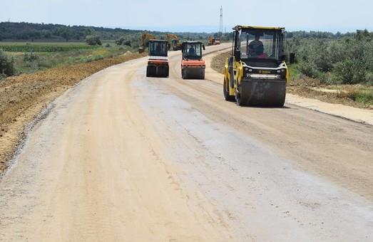 Эксперимент с финансированием дорог за счет внеплановых доходов таможен продлен на 2019 год