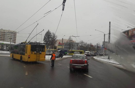 Инфраструктура львовского троллейбуса находится в ужасном состоянии