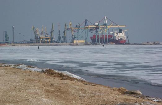 Украинские морские порты Азовского моря заблокированы Россией