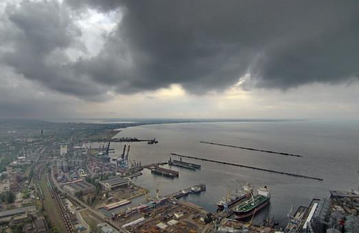 Одесский порт из-за тумана сегодня работает с ограничениями