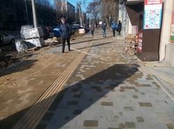В Одессе ремонтируют тротуары по европейскому образцу