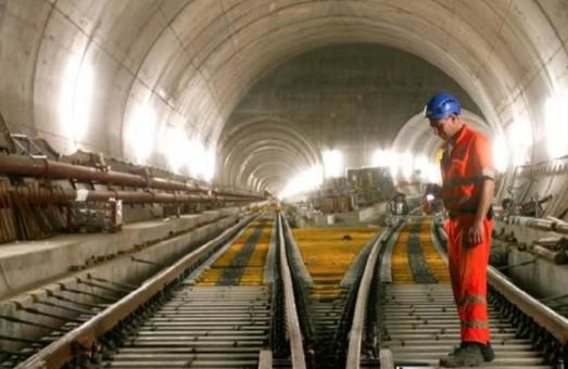 В Швейцарии готовятся к открытию самого длинного и глубокого тоннеля в мире