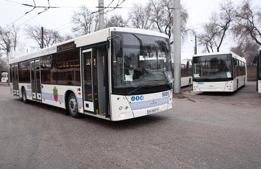 В Запорожье увеличивается парк больших коммунальных автобусов
