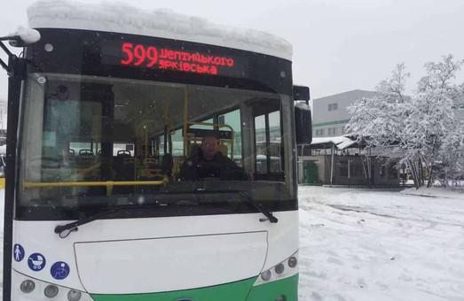 В Киеве на одном из маршрутов начал работать китайский электробус