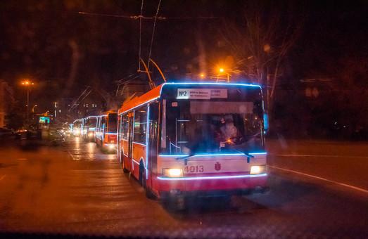 Послезавтра по Одессе проедет парад праздничных новогодних троллейбусов (ВИДЕО)