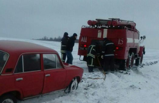В Одесской области «чрезвычайники» за месяц вытащили из болота и снежных заносов 37 автомобилей