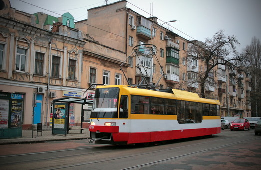 В Одессе многодетные родители получили право бесплатного проезда в городском транспорте