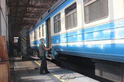 Как и где «Укрзализныця» восстанавливает пассажирские вагоны?