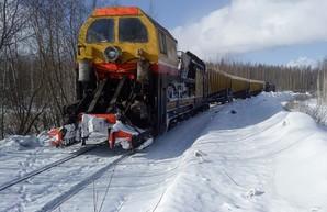 Этой ночью одесские железнодорожники активно боролись со снегом