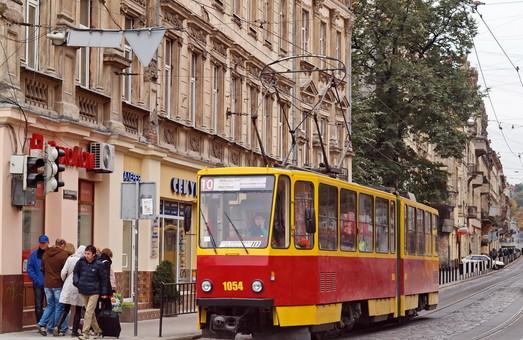 Во Львове требуют возобновить работу трамвайной «десятки» и заменить «маршрутки» на большие автобусы