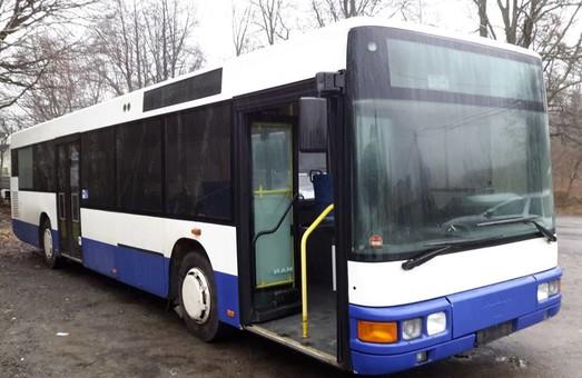 В Хмельницком на маршруты вышли большие автобусы