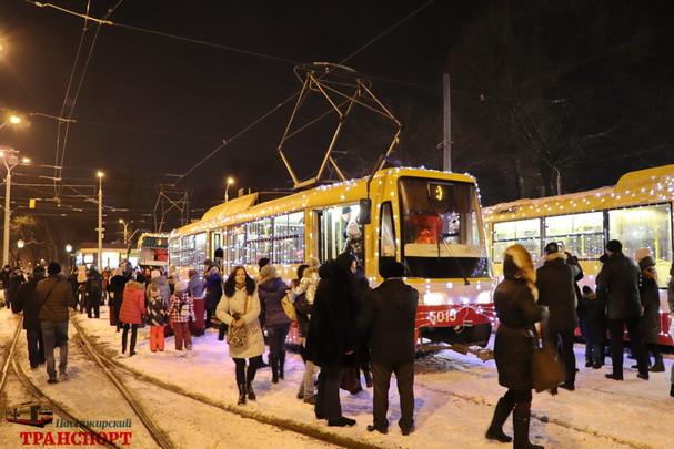 Рождественский парад трамваев проехал по Одессе