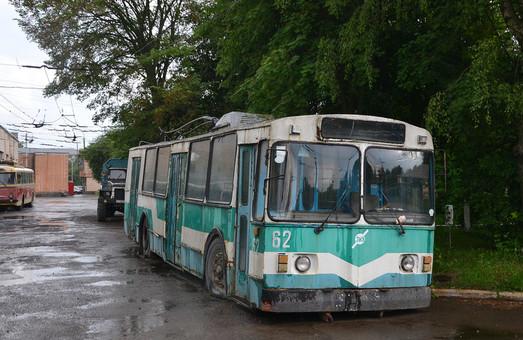 В Луцке хотят восстановить самый старый в городе троллейбус ЗиУ