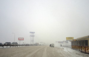 Из-за непогоды обстановка на дорогах Одесской области остается сложной