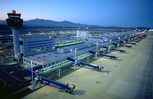 Аэропорт в Афинах обслужил в более чем два раза больше пассажиров, чем население Греции