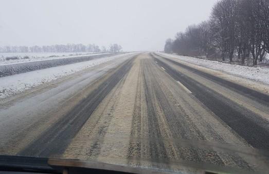 Дороги севера Одесской области заваливает снегом (ФОТО, ВИДЕО)