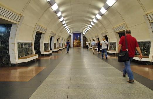 В Киеве провели анализ пассажиропотоков метрополитена и городской электрички и промоделировали «перехватывающие» парковки