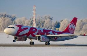 Итальянский лоукостер отменяет часть авиарейсов в Украину