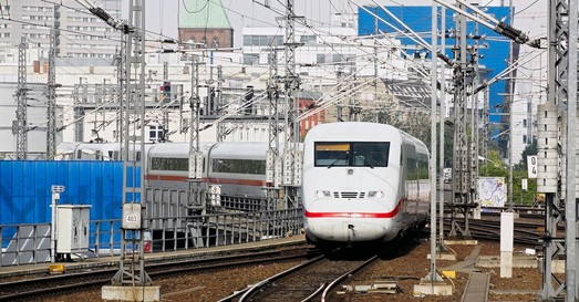 Немецкие пассажирские поезда в 2018 году стали чаще опаздывать