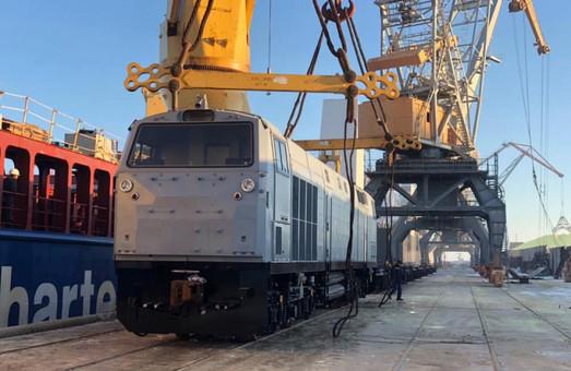 В порт Черноморск прибыло еще пять новых тепловозов «Тризуб»