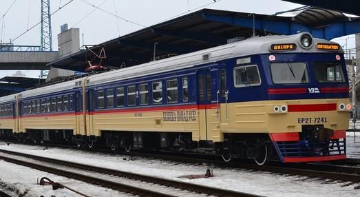 В депо Никополя капитально отремонтировали еще одну электричку (ФОТО)