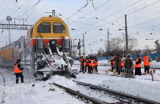 Непогода и снегопады не повлияли на работу Одесской железной дороги