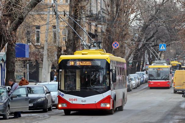 В Одессе возвращают первый троллейбус и другие маршруты