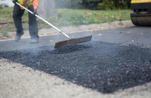 На ремонт улиц и дорог в Доброславе из бюджета выделят 2 миллиона