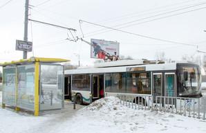 В Днепре на остановках электротранспорта установлено 150 информационных табло