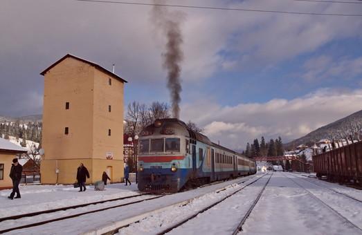 В «Укрзализныце» пообещали в 2019 году провести ремонт 24 пригородных поездов и купить еще три