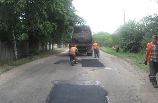«Березивкаагрошляхбуд» будет выполнять эксплуатационное содержание местных автодорог в четырех районах Одесской области