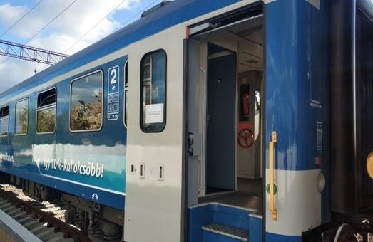 Омелян пообещал в 2019 году запустить из Украины поезда в Берлин и Кошице