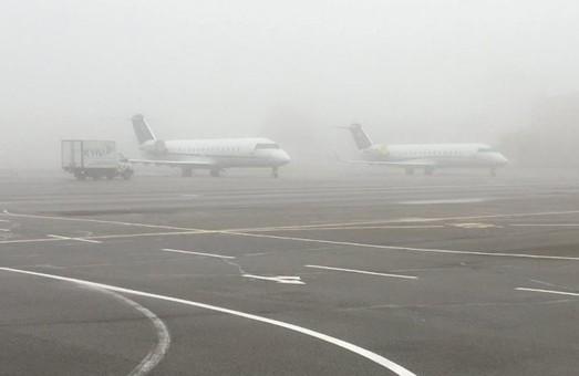 В аэропорту Жуляны вчера отменили ряд рейсов из-за сильного тумана