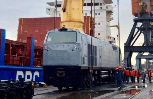 Все 30 тепловозов «General Electric» ТЕ33АС «Тризуб» прибыли в Украину