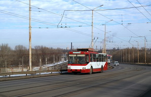 В конце лета в Днепре откроют троллейбусное движение по Новому Мосту