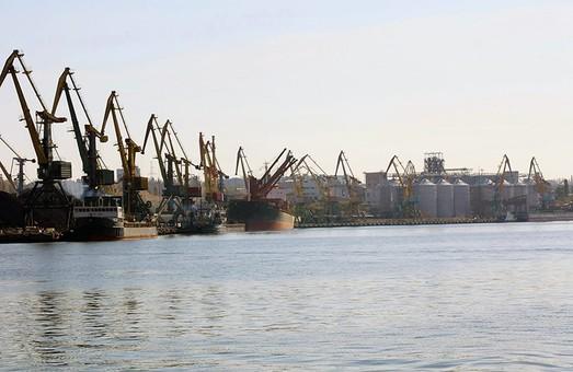 Кипрская компания начала дноуглубление в порту Николаева