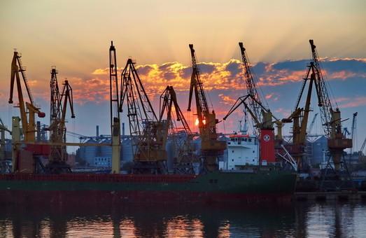 В порту Измаила завершили работы по углублению дна