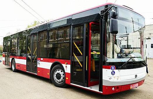 Ивано-Франковск получил еще четыре новые автобуса «Богдан»