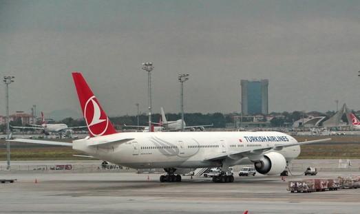 В Одессе аварийно приземлился турецкий авиалайнер