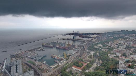 В порту Одессы отремонтируют пешеходный мост
