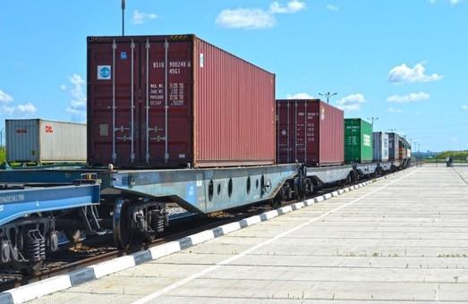 Через территорию Украины запустили новый контейнерный поезд
